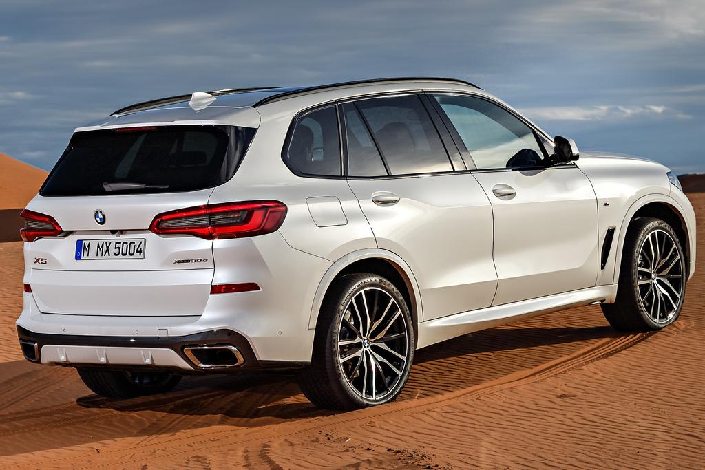 2019 BMW X5 - rear, white