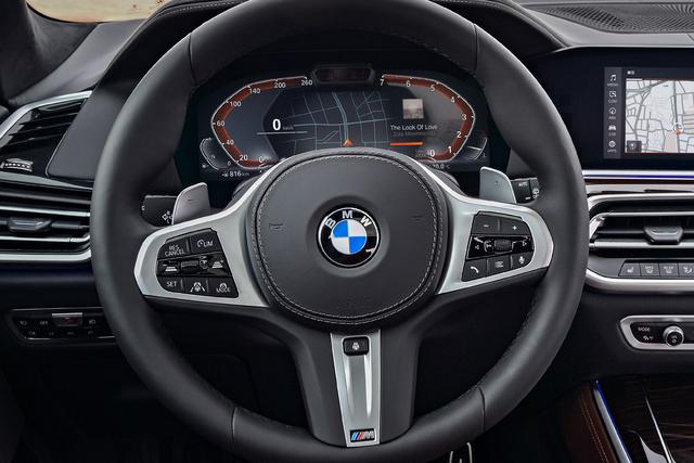 2019 BMW X5 - steering wheel, digital instruments
