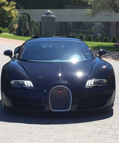 cristiano ronaldo celebrates euro 2016 win with bugatti veyron between the axles. Black Bedroom Furniture Sets. Home Design Ideas