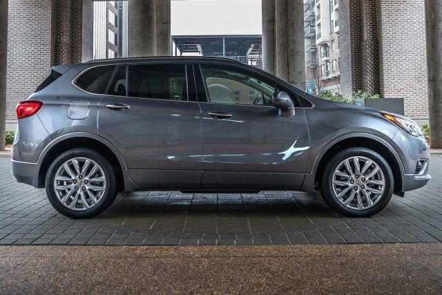 2019 Buick Envision facelift - side