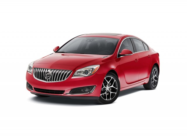 2016 Buick Regal Sport Touring - front