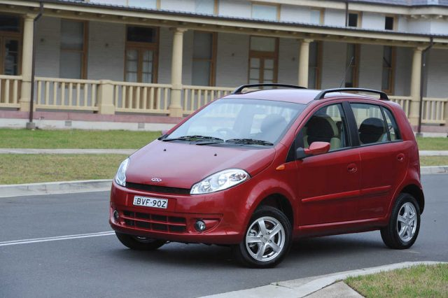 Chery J1 - front, red
