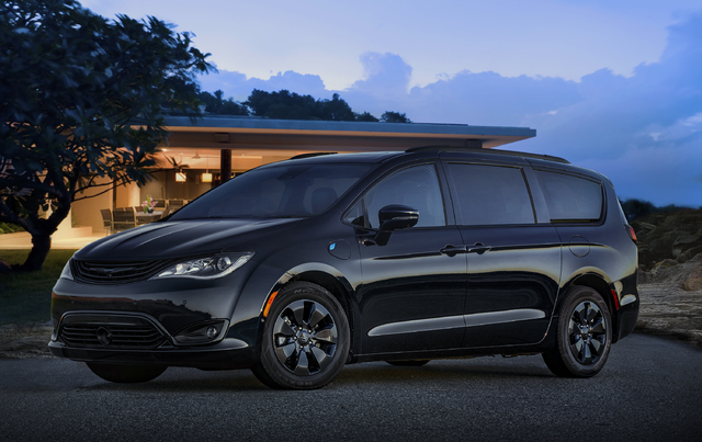 2019 Chrysler Pacifica Hybrid With S Earance Package Front