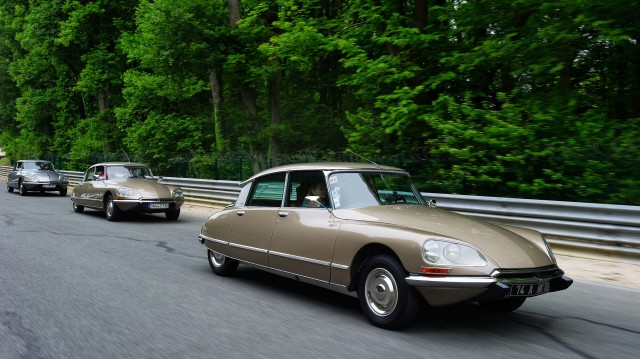 Citroen DS 60th anniversary meeting - brown, front profile