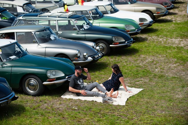 Citroen DS 60th anniversary meeting - picnic time