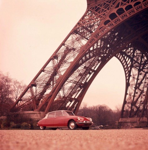 Citroen DS - antique press photo in front of Eifell Tower