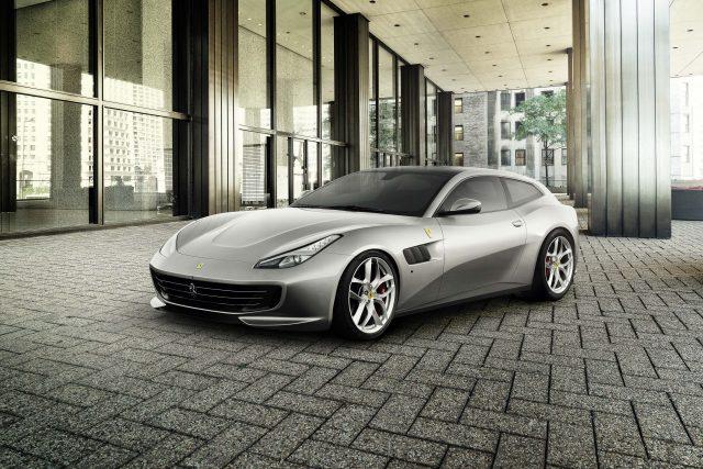 2017 Ferrari GTC4 Lusso T - front, Financial Street in Beijing