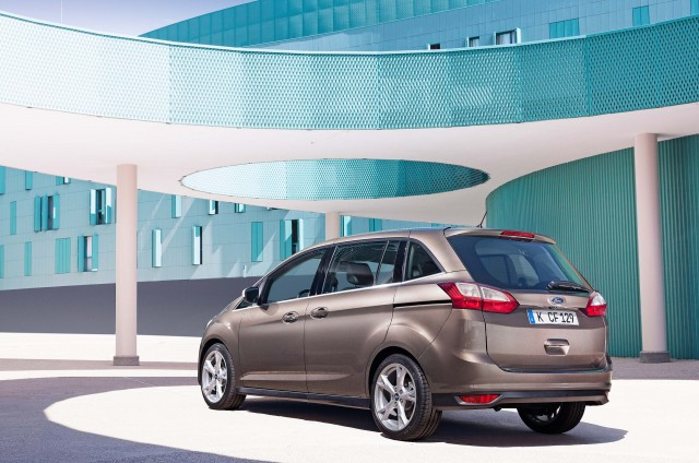 C344 Ford Grand C-Max facelift for 2015 - rear