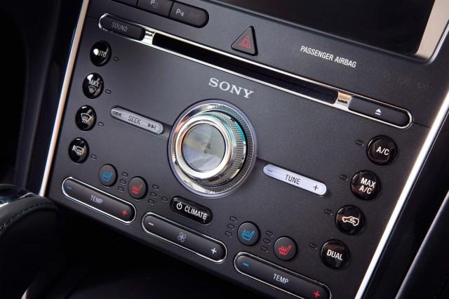 U502 Ford Explorer facelift - Platinum audio controls