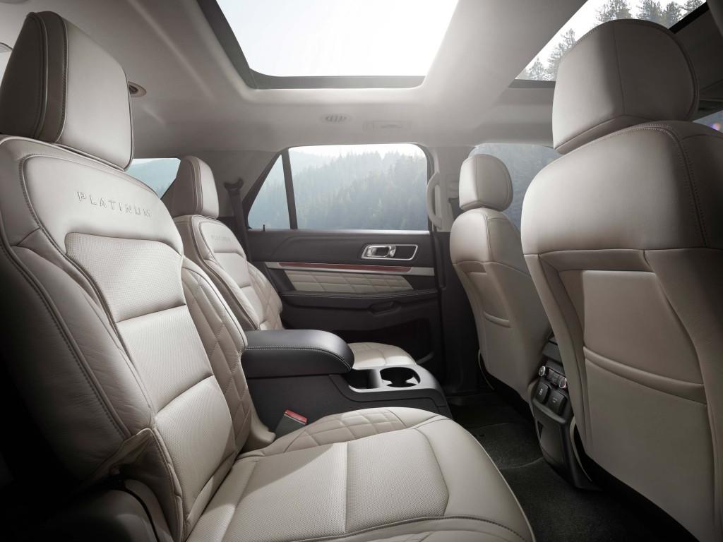 U502 Ford Explorer facelift - rear seats