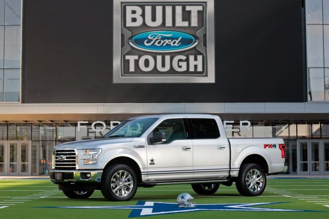 2017 Ford F-150 Dallas Cowboys Edition - front
