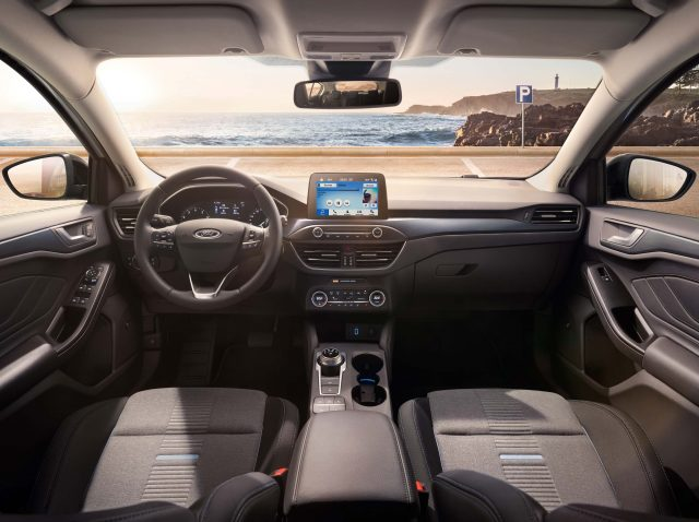 2018 Ford Focus Active hatch - interior, dashboard
