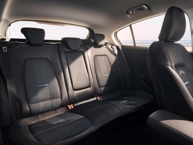2018 Ford Focus Active hatch - rear seats