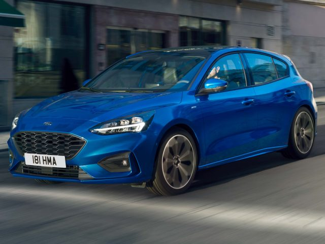 ford focus st line hatch 2018 mark iv fourth generation eu photos between the axles. Black Bedroom Furniture Sets. Home Design Ideas