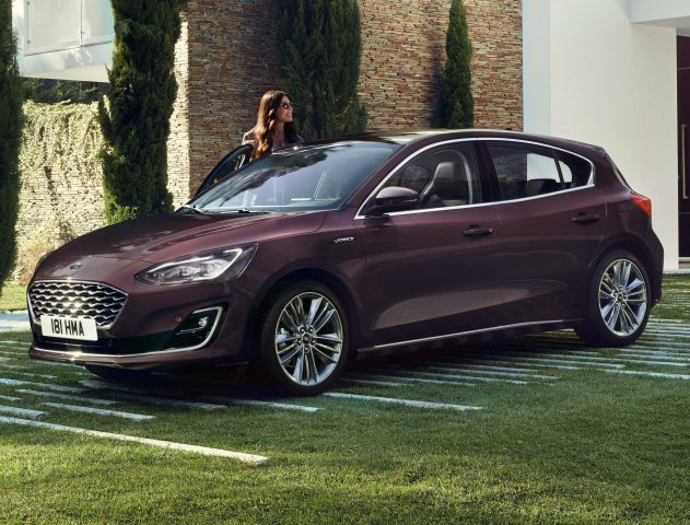 ford focus vignale hatch 2018 mark iv fourth generation eu photos between the axles. Black Bedroom Furniture Sets. Home Design Ideas