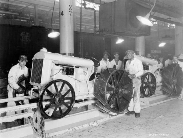 1923 Ford Rouge Plant - tractor assembly line