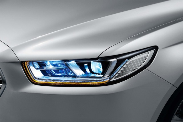 Ford Taurus (seventh generation) - headlights