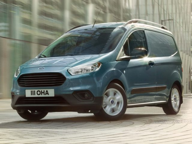 Ford Transit Courier 2018 Facelift First Generation Eu Photos Between The Axles