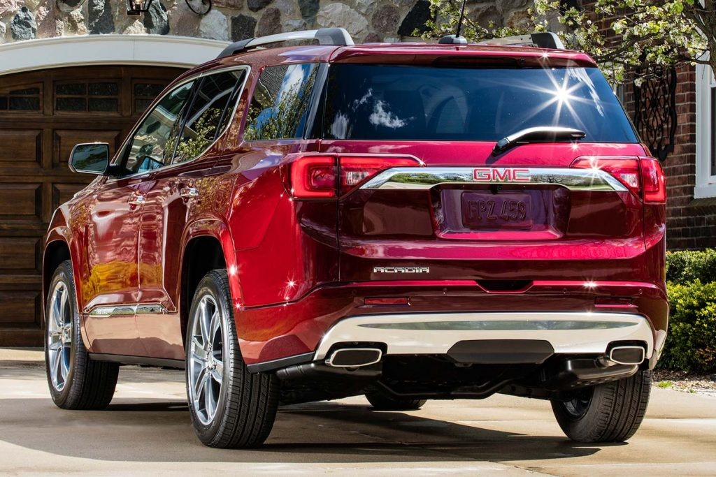 2020 GMC Acadia vs 2017-2019: Facelift changes compared side by side | Between the Axles
