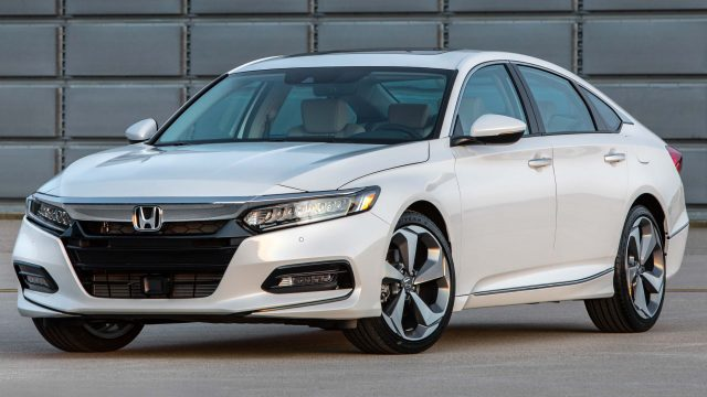 2018 Honda Accord Touring - front, white