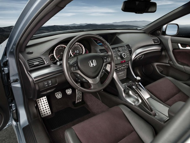 CU Honda Accord (facelift) - interior