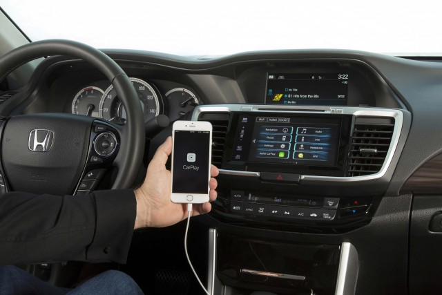 2016 Honda Accord with Apple CarPlay