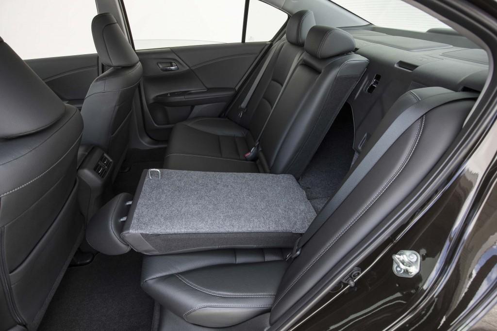 2016 Honda Accord Sedan Touring - rear seats, half up, half down