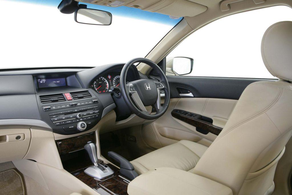 2008 Honda Accord - front seats