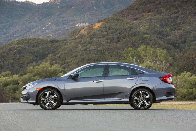 2016 Honda Civic Sedan - side
