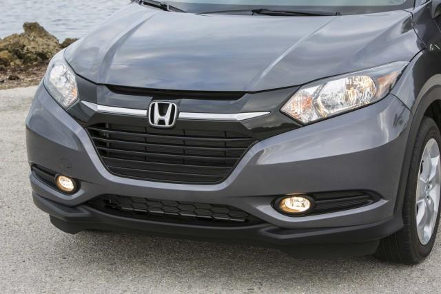 2016 Honda HR-V - headlights, grille
