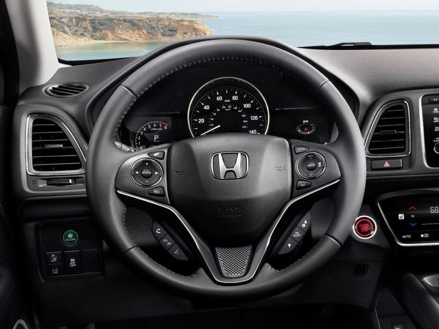 2019 Honda HR-V facelift - steering wheel, instruments