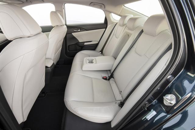 2019 Honda Insight - rear seats, white leather