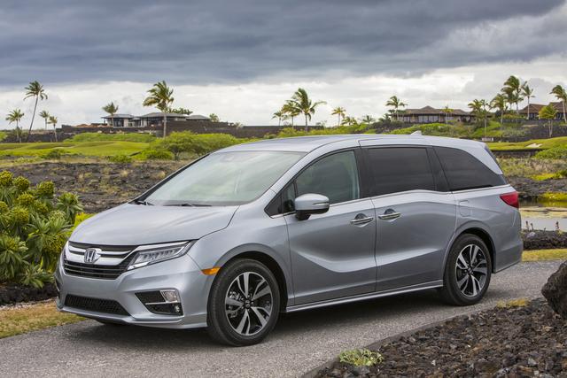 2019 Honda Odyssey - front, silver
