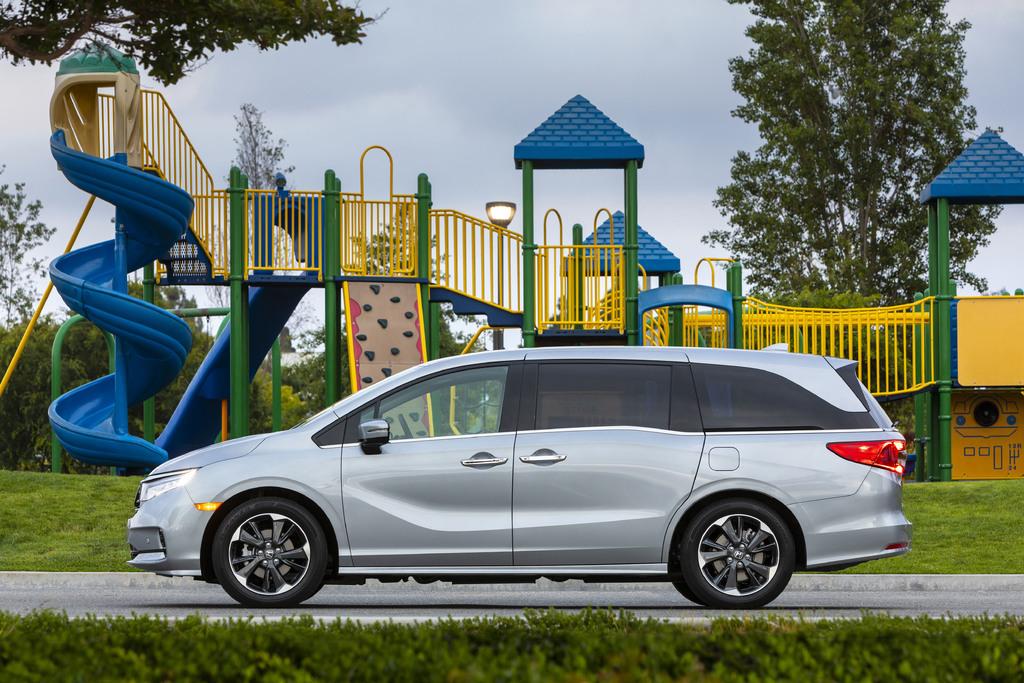 2021 Honda Odyssey vs 2019-2020: Facelift changes ...
