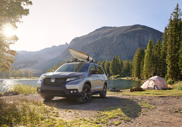 2019 Honda Passport with Accessory Roof Rack and Running Boards
