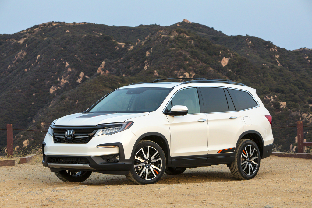 2019 Honda Passport Vs Pilot Sibling Differences Compared Side By