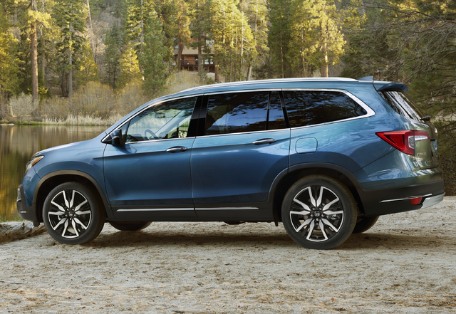 2019 Honda Pilot facelift - side, blue