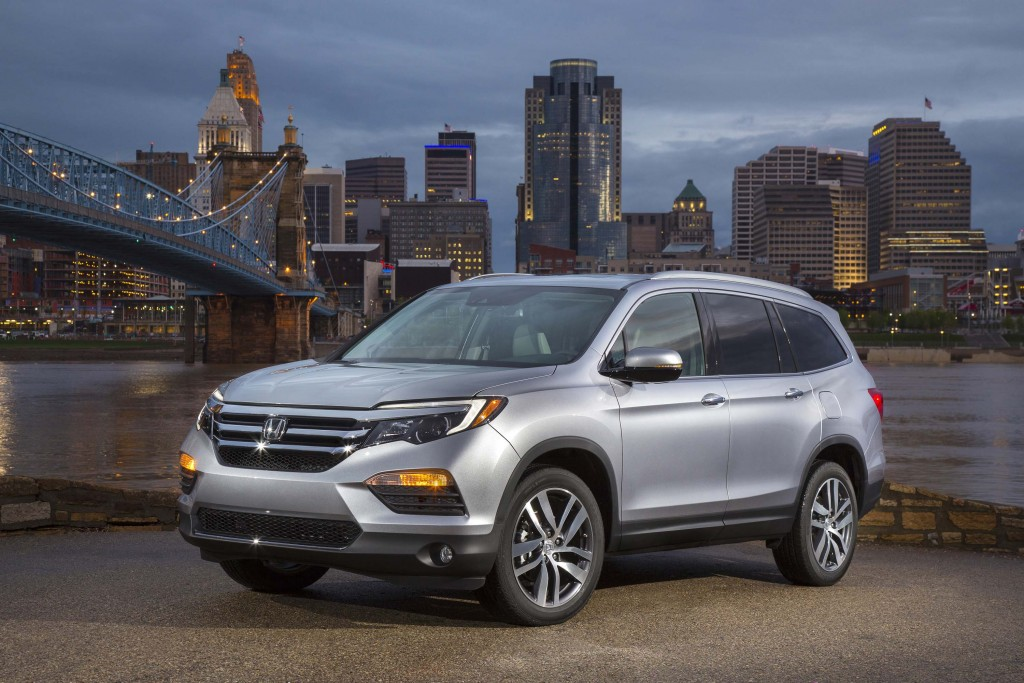 8 Seat Suv >> 2016 Honda Pilot Leaked 8 Seat Suv Less Dreary Than Before
