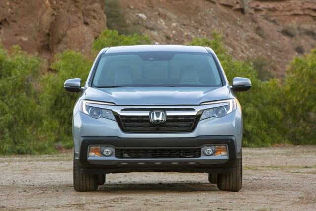 2017 honda ridgeline vs 2016 pilot sibling differences between the axles. Black Bedroom Furniture Sets. Home Design Ideas