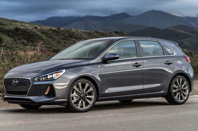 2018 Hyundai Elantra GT - front, gray