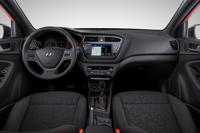 2018 Hyundai i20 facelift - interior, dashboard