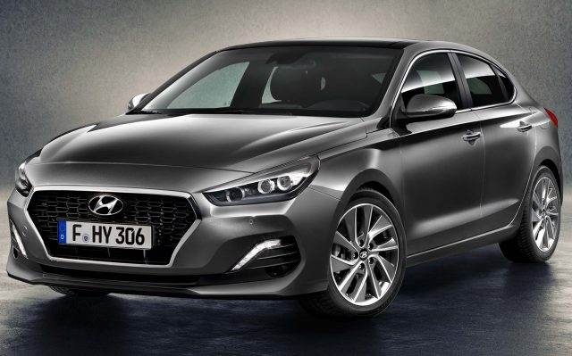 2018 Hyundai i30 Fastback - front, gray