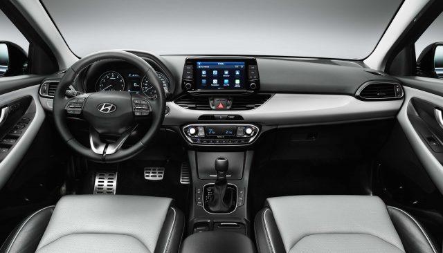2017 Hyundai i30 - interior, dashboard