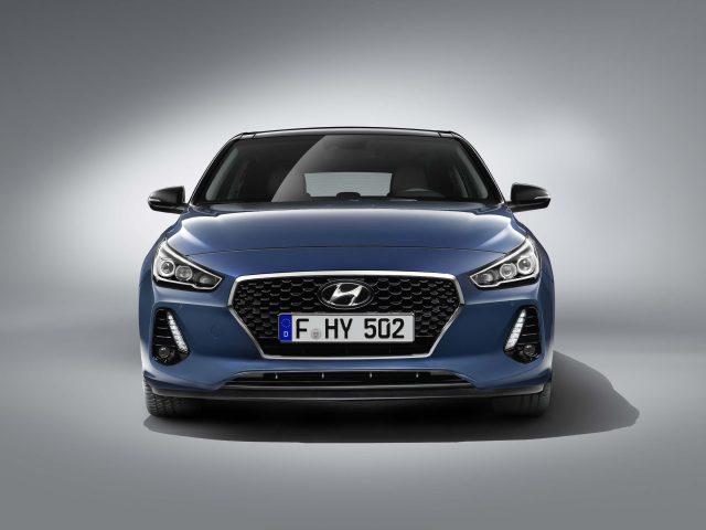 2017 Hyundai i30 - grille, headlamps