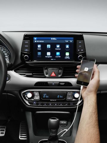 2017 Hyundai i30 - touchscreen infotainment system, Apple CarPlay