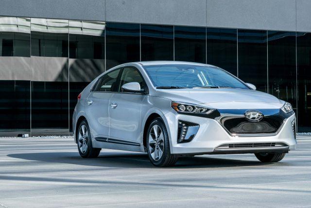 2017 Hyundai Ioniq Electric Front