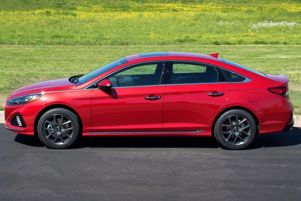 2018 Hyundai Sonata facelift - side, red