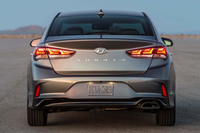 2018 Hyundai Sonata vs 2015-17: Differences in photo ...