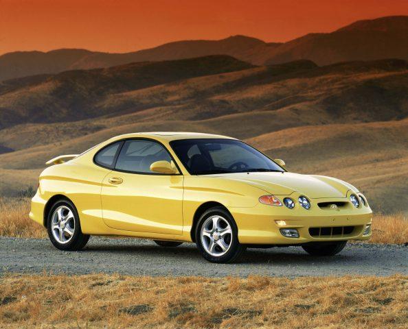 2002 Hyundai Tiburon Facelift Yellow Front Desert