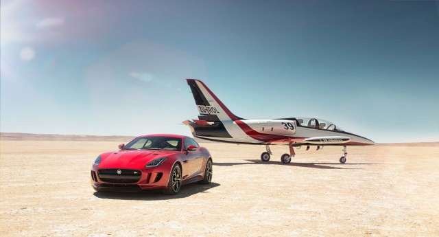 Jaguar F-Type AWD and Bloodhound SSC on salt flat